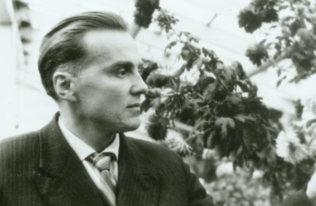 A proud Vasilij Sukhomlinskij